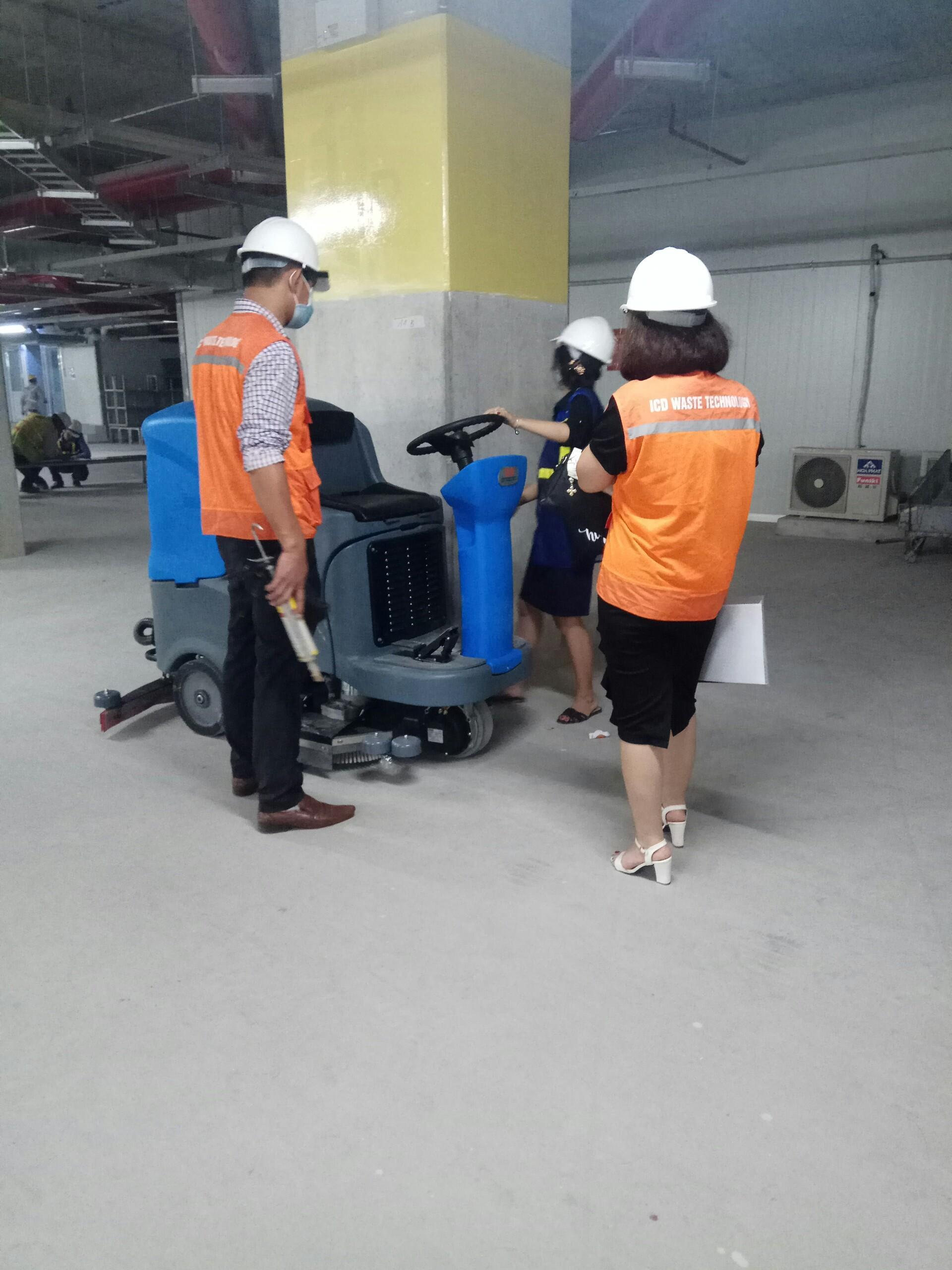 Thanh lý máy chà sàn