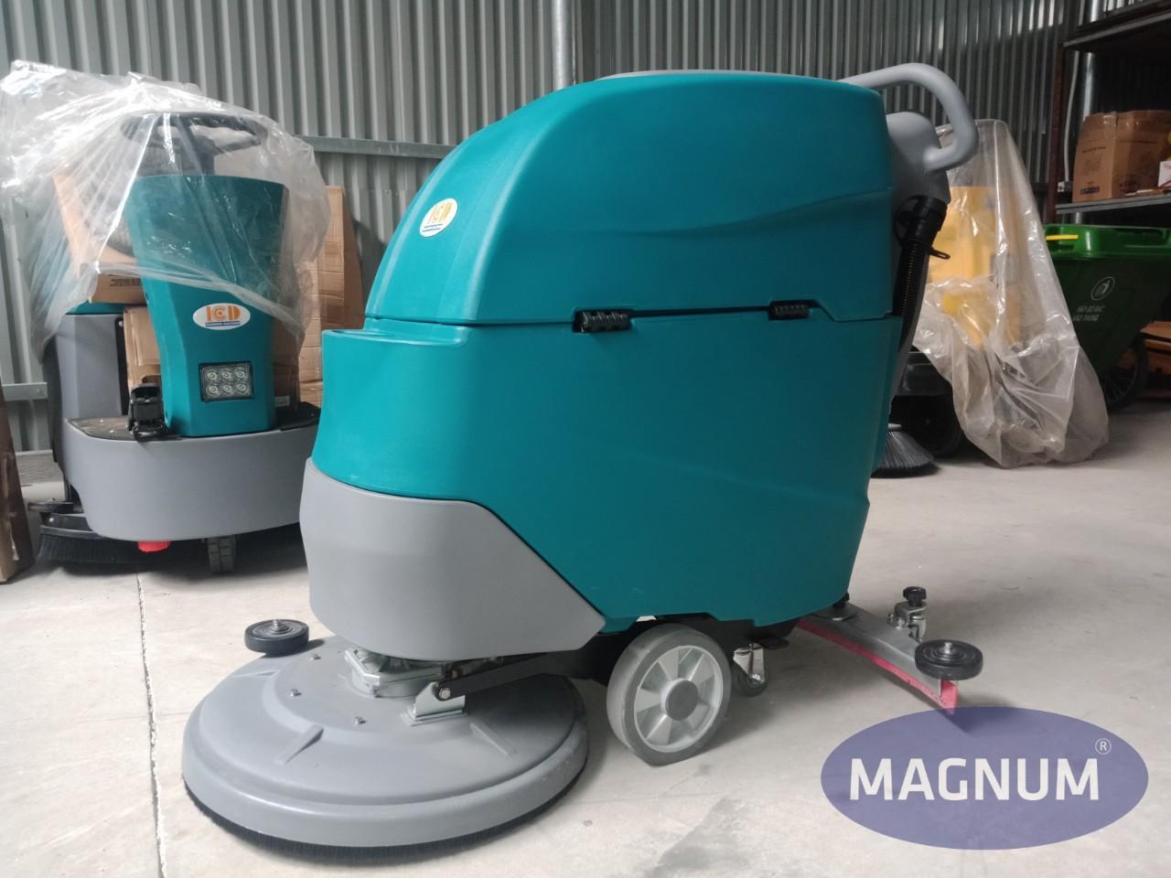 Máy chà sàn liên hợp đẩy tay Magnum