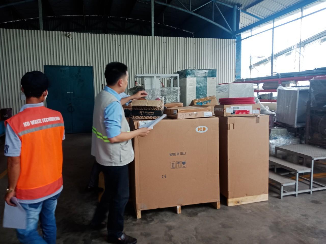 Bàn giao lô 8 máy chà sàn liên hợp Fiorentini I18B-I18E cho Công ty TNHH Bayer Việt Nam