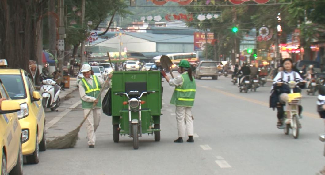Hiệu quả bước đầu của loại hình xe điện 3 bánh thu gom rác ở TP. Cao Bằng